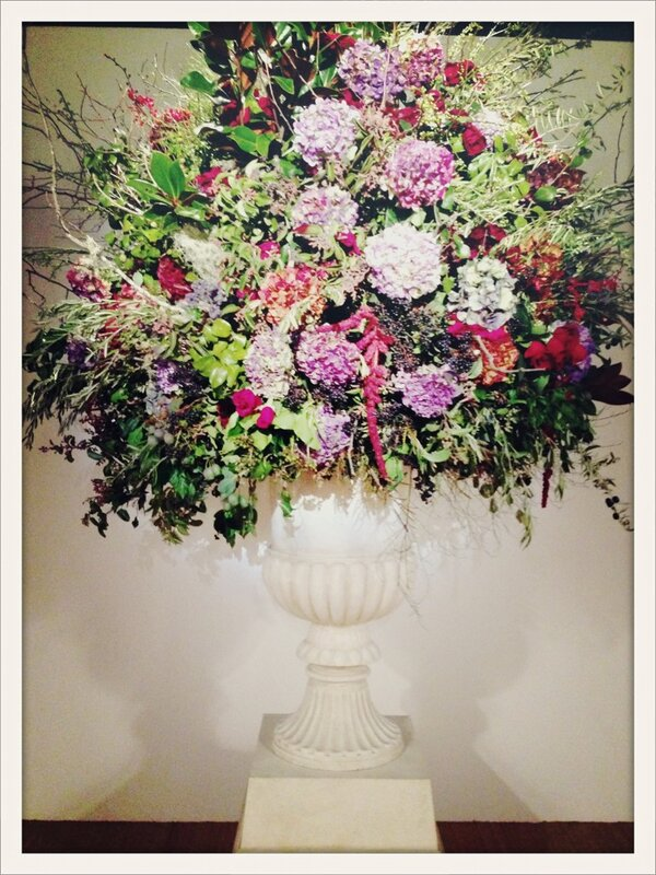 "RT @LMFlowerFashion: flowers at Ralph Lauren show! ""@VogueParis: A huge bouquet of flowers welcomes us to the #RalphLauren show at #NYFW http://pic.twitter.com/UFSObldj"""
