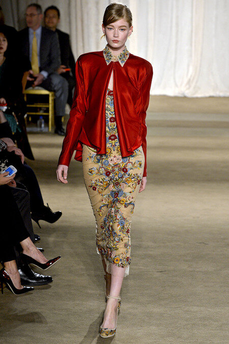 This look from Marchesa Fall 13 #nyfw ... the red/the flowers http://pic.twitter.com/b6skPAs5