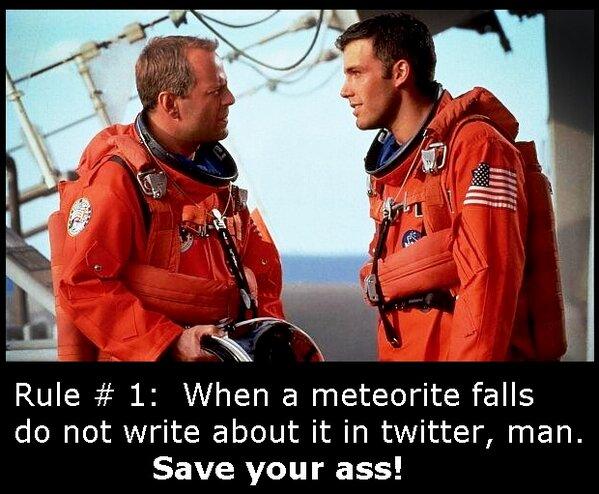 """@mikhalchenko: #Chelyabinsk #RussianMeteor #Meteorite #Asteroid #метеорит #Челябинск #астероид пво http://pic.twitter.com/Y5Te2hQs. Hahahaha"