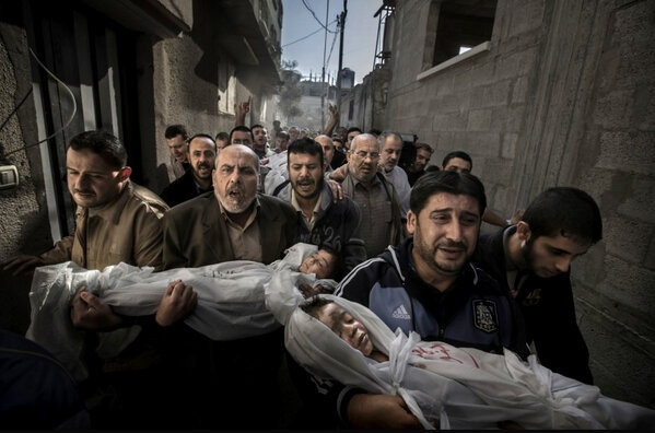 RT @rlmcclelland: This needs no words #winner @WorldPressPhoto Paul Hansen #GAZA http://pic.twitter.com/0vwwWKlK