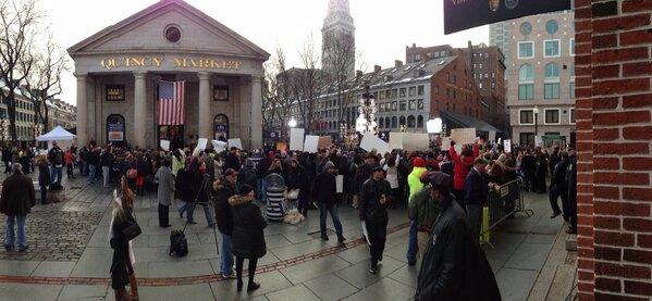 #todayinboston @Todayshow in Boston http://pic.twitter.com/gPg7VnaI