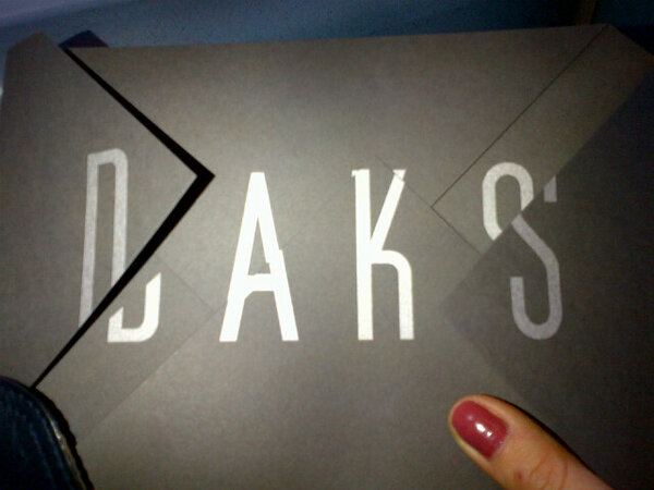En route to #LFW...whoop whoop heare is my beautiful invite from @DAKSLondon. So excited...:D http://t.co/EduHTJHb