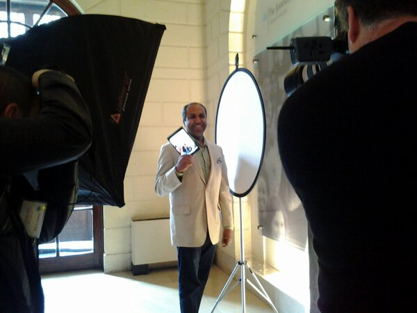 .@sree 's new headshot comin' at you now by photog @kwbarraclough #smwknd http://pic.twitter.com/KOiVAu9W
