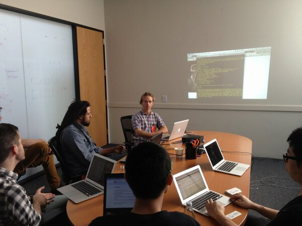 RT @GracenoteDev: Some live coding at the Gracenote API workshop at #musichackday http://pic.twitter.com/R0Kvuciv