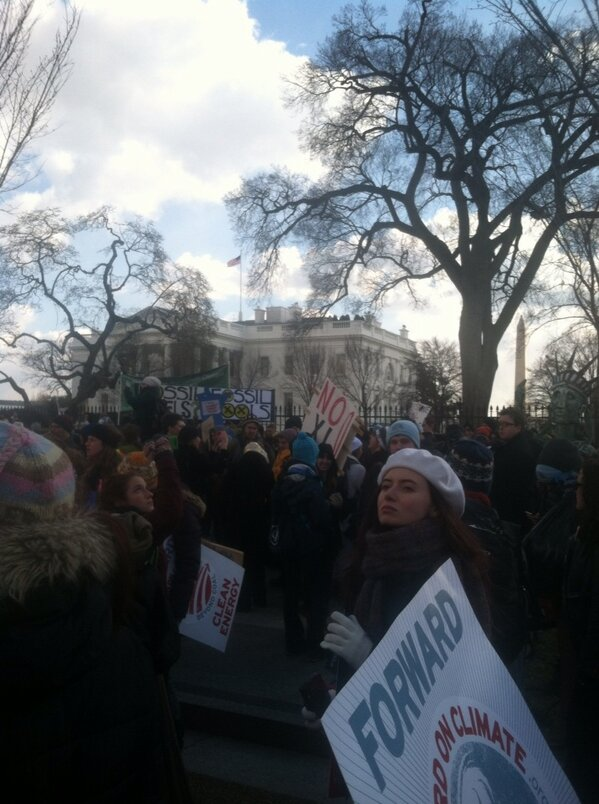 """At the White House!! """"Hey Obama, we don't need no climate drama"""" #ForwardOnClimate http://pic.twitter.com/AW1omVqs"""