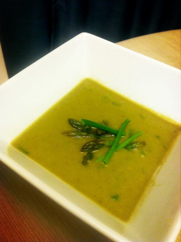 In an asparagus bisque induced coma waiting for #DowntonPBS to start. Let's get on with it, Carson! http://pic.twitter.com/UjYTf9Oo