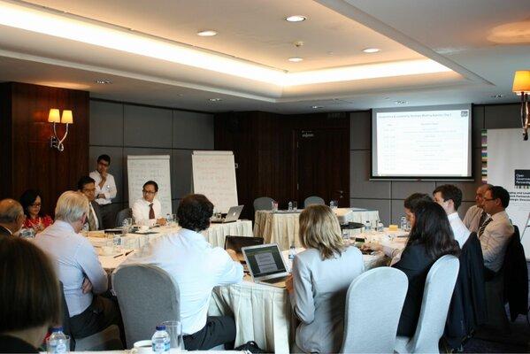 Suasana sesi pertemuan strategis @opengovpart yang sedang berlangsung di Jakarta -- cc @opengovindo http://pic.twitter.com/rLVjYLbf