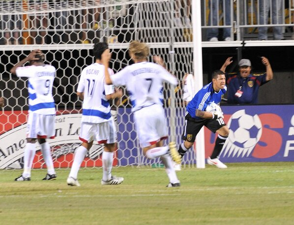 Do you remember the time @NickRimando saved a PK attempt by Jeff Cunningham?  I do: http://pic.twitter.com/qxmG7Zww