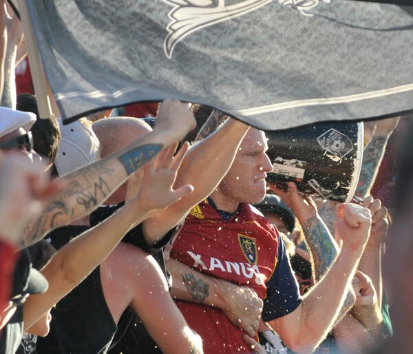 One of the best @natborchers photos, after the NYRB match in 2011 with #SCU http://pic.twitter.com/RDhOSUqP