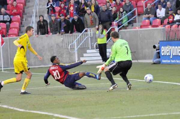 Wow, I hope I get a bunch of pictures like this one of @RobbieFindley scoring goals for #RSL this year. http://pic.twitter.com/MXy9qfpq