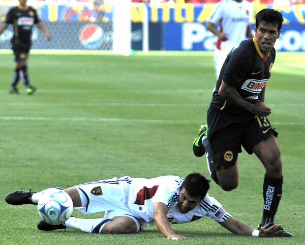 Even when you have @javi_mo11 down, you can't count him out of the play. Just like this example against Club America http://pic.twitter.com/am9Asz2n