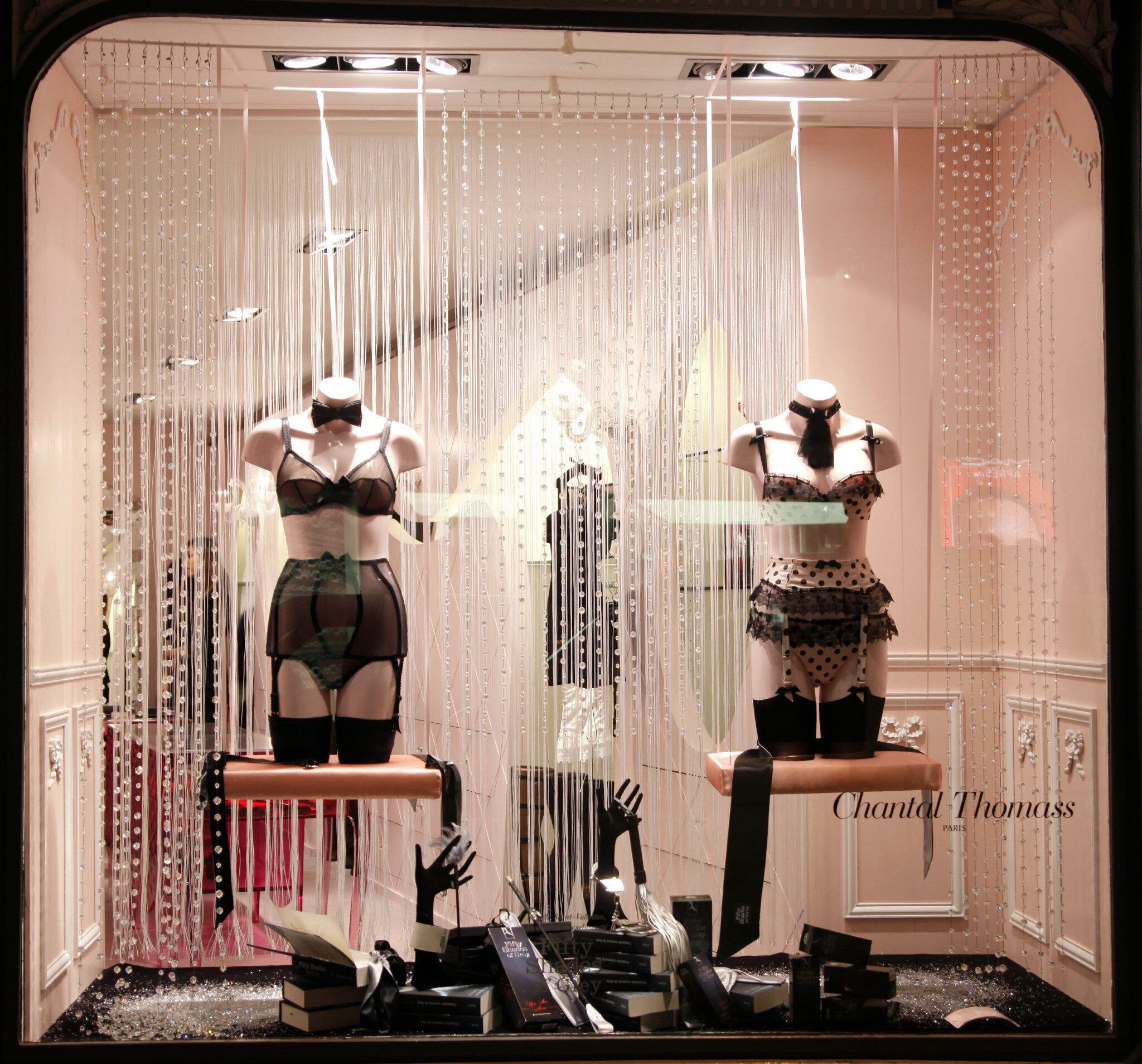 fifty shades toys on twitter the window of chantal thomass paris a very ana lingerie. Black Bedroom Furniture Sets. Home Design Ideas