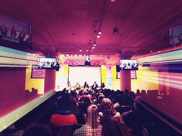 RT @MrsSMcom: Wow! The crowd is nice! #smw140resume #smwny #socialmedia http://pic.twitter.com/Jo3kDzJbWS