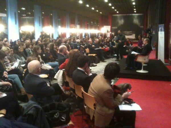 Packed room at the citizens' dialogue in Teatro Regio, Turin #dialogocittadini /JL http://pic.twitter.com/dvSAJGnvE5