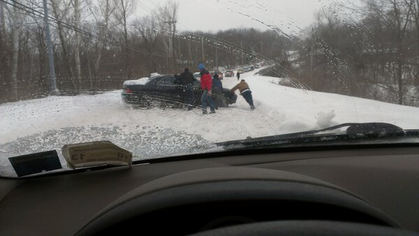 About half an hour ago on Old 63 between Stadium and Broadway. #CoMoSnow http://pic.twitter.com/cqn2CwxpoR