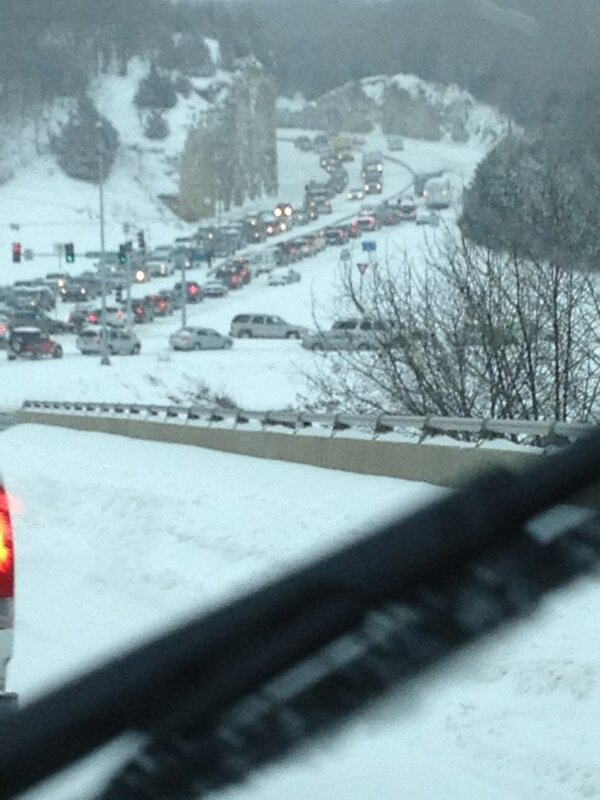Found the problem on this side, that's a Columbia transit bus stuck up the hill and backing up traffic. http://pic.twitter.com/LILFRyXs06