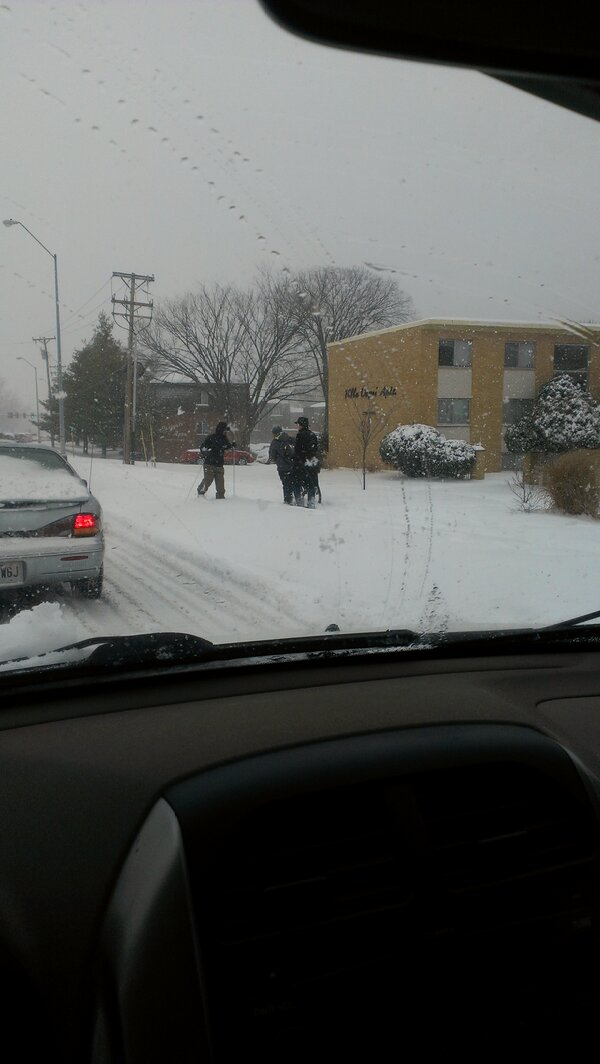 I saw a skier by Broadway and Old 63 braving #CoMoSnow before I knew I would be pushing 2 cars for half an hour. http://pic.twitter.com/2pCMqwLT22