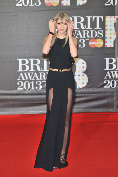 Samanta On Twitter Taylor Swift Dresses Like My Grandma Does Your Grandma Dress Like This Omg Http T Co Scyqpk8cpm