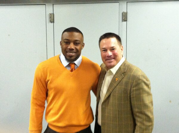 Here are the dapper men of the day @Stuntman1429 and @UTCoachJones in Nashville #GoVols http://pic.twitter.com/SFaQwTh3lX
