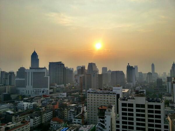 Twitter / MrScottEddy: Sunset in #Bangkok #Thailand ...