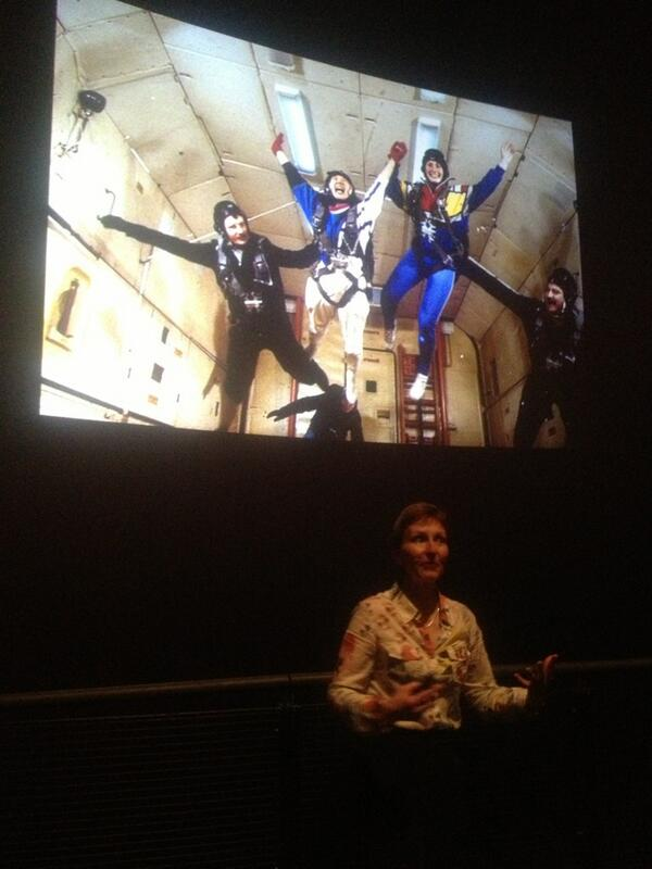 Helen Sharman tells our young visitors about what it's like to feel weightless for High Performance #SM_HP http://pic.twitter.com/S6BSrFpk8A