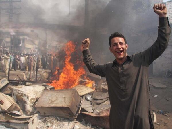 Twitter / PakistanAtheist: Muslim man celebrates after ...