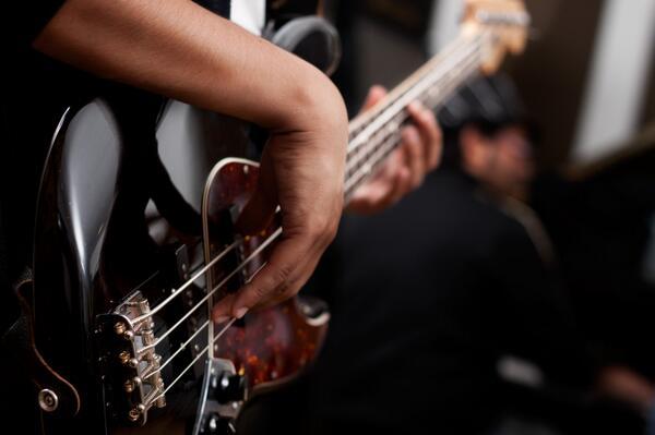 Картинки бас гитаристы