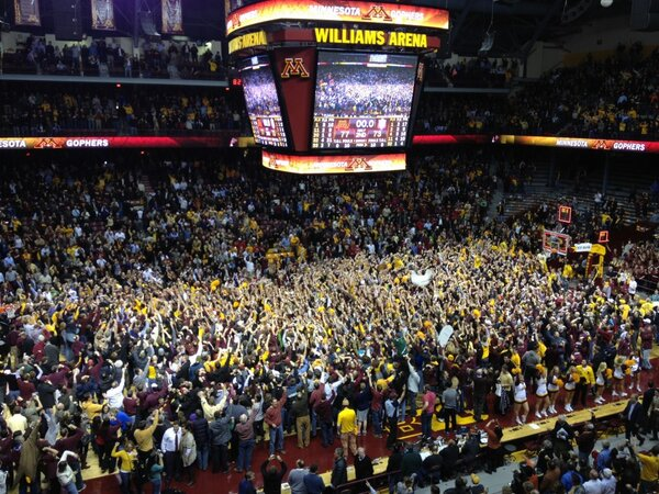 RT @GopherHole: GREAT Photo --> RT @NadineBabu: #Gophers #IU #CourtStorming http://pic.twitter.com/wVp3VcGxNJ