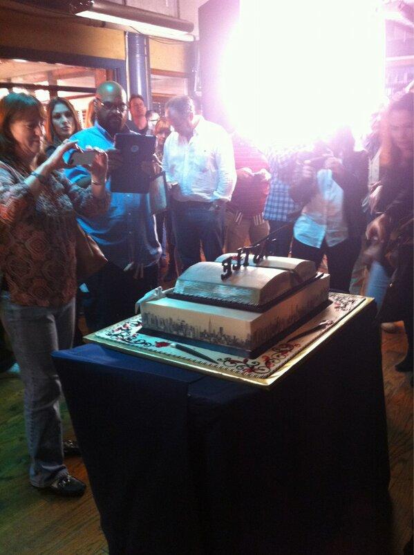 100th episode press & cake BEJIgudCQAErZmH