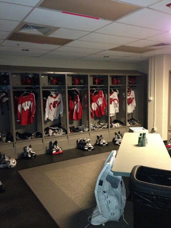 2:20am and the room is all set for the boys. #Badgerhockey thanks to @ryanmevans and Randy. http://pic.twitter.com/2Oa3D8OQCz