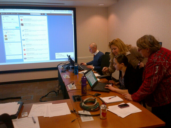 Our first bilingual twitter chat on #HeartHealth was a success! #CorazonChat @HHSGov @HHSLatino http://t.co/rcMJwBXoPv