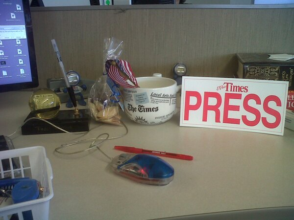 My desk in the brand new El Paso Times newwroom. http://pic.twitter.com/e39Y7EbhfU