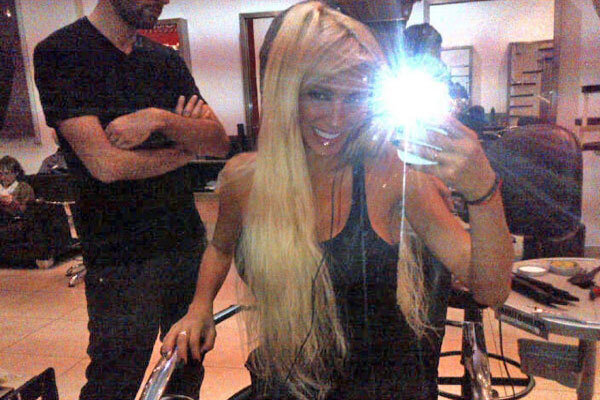 El cambio de look de Vicky Xipolitakis - http://goo.gl/mlM3W http://pic.twitter.com/I2XvvFsRmy