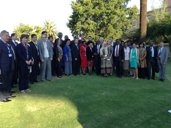 Here are the folks in Botswana discussing the future of global health. Wish them luck! pic.twitter.com/0CFFWetHuG
