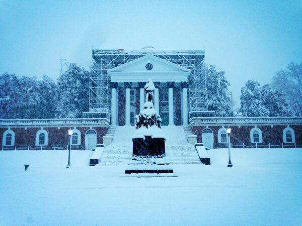 Jefferson covered, but standing tall at the North side of the Rotunda @UVADeanGroves @cavalierdaily http://pic.twitter.com/cIWo9GGE3U