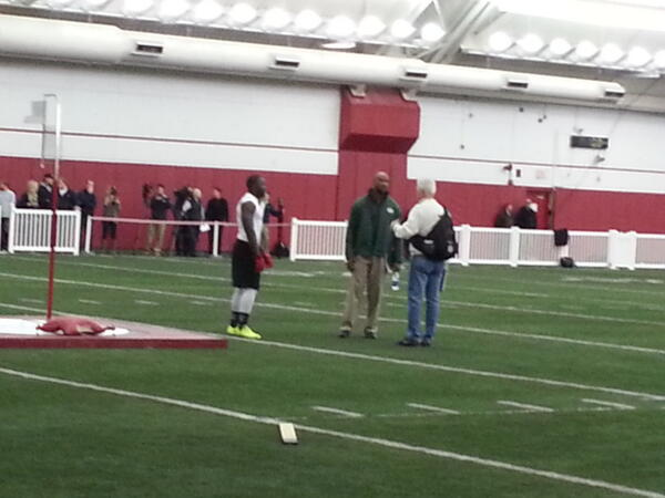 Montee Ball talking to Ted Thompson at pro day here. Bet Packers fans would love to see Ball at Lambeau. #badgers http://pic.twitter.com/TEbYrDYFEk