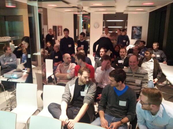 Hier noch das angeregte #GeoBeerCH-Publikum, kurz vor @ping13's Vortrag. http://pic.twitter.com/cMqUOBDFCt