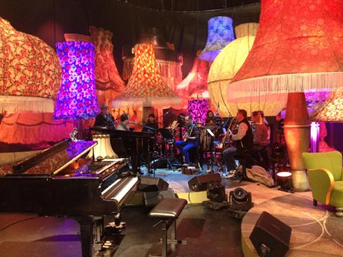 Twitter / VTM: In de studio van #MannekePaul ...