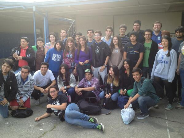 Chilean Heart Team 2576 visits Bagel Bytes Team 702 at Culver City High School.   #omgfirst @FIRSTLA @FIRSTinCA http://pic.twitter.com/EYaigkyuEv