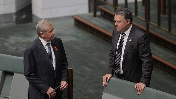 Photo: Simon Crean and Joel Fitzgibbon arrive for Question Time this afternoon. (By  @mearesy) #spill #auspol http://pic.twitter.com/HhmodoqGLz