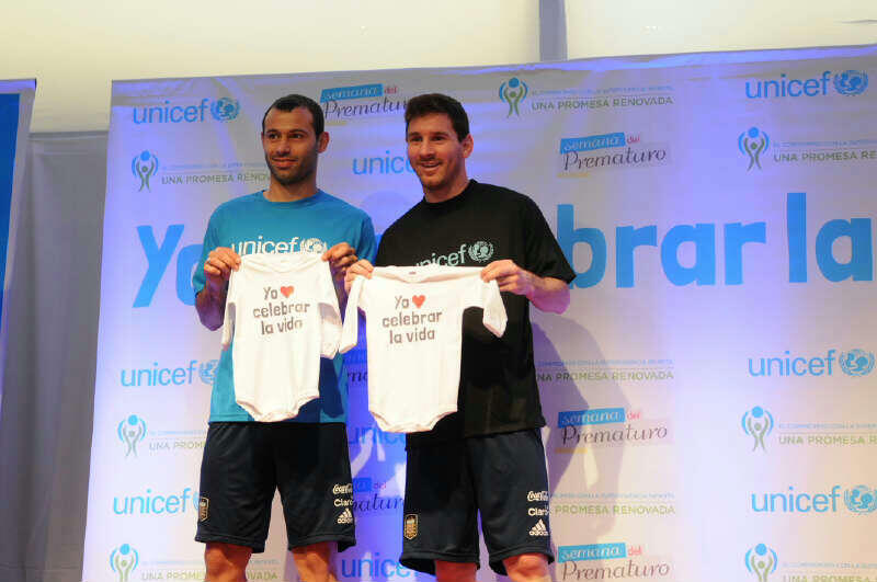 Twitter / Mascherano: Today we were with Unicef ...