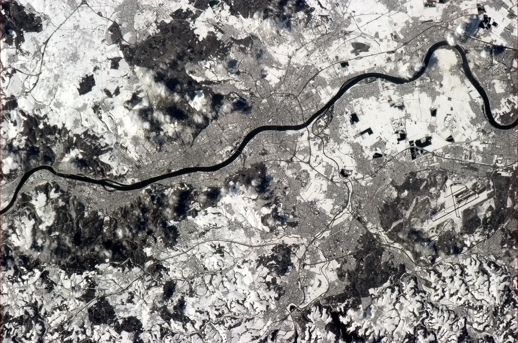 Twitter / Cmdr_Hadfield: Bonn, capital of pre-unification ...