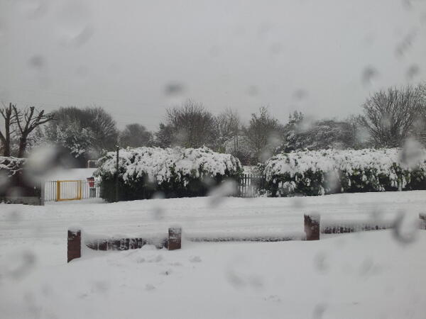 @DerekTheWeather @BBCWales @bbcweather @dailypostwales @kathrynquayle lovely views from the house in Hawarden http://t.co/XQdS1wRq62