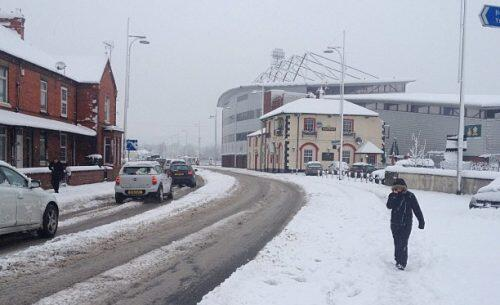 For an up to the minute blog on #snow disruption check out http://t.co/PnHOEwR9yk @wrexham http://t.co/locfiuQjuD