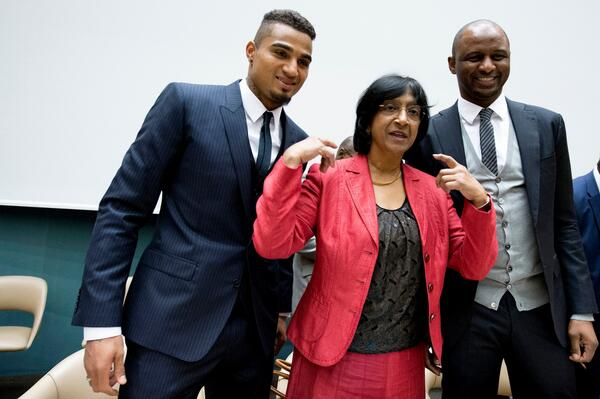 Read & share UN #HumanRights chief Pillay's speech at #FightRacism special event: http://t.co/UlMe4AN8V1 http://t.co/Ykfs2MRpT1