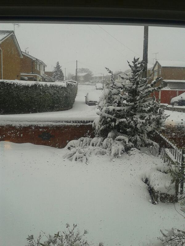 @dailypostwales mynydd isa at 7am today! http://t.co/034131omIq