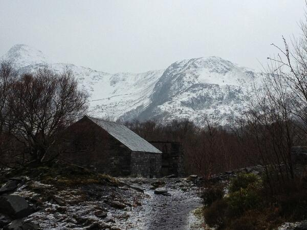 @dailypostwales I took this in Llanberis next to The Slate Museum, it's so windy out there!! http://t.co/NWsyYP0ne8