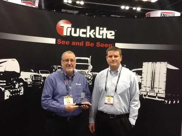 Twitter / OEMOffHighway: Truck-Lite shows off its OEM ...