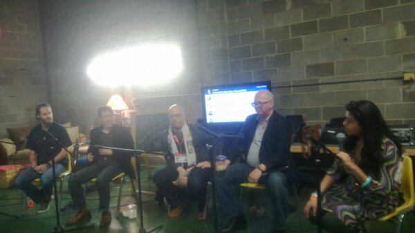Twitter / lttlewys: Meetin the panel... #HootSocBiz ...