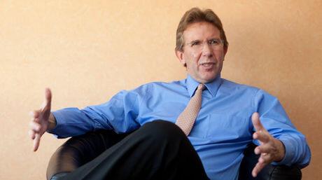 La supuesta venta de Globovision al Sr. Juan Domingo Cordero es una estrategia para evitar el cierre por vencimiento http://pic.twitter.com/bADFJtjPql